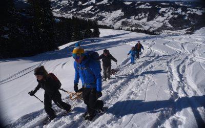 Schneeschutour mit Hüttenübernachtung über dem großen Alpsee