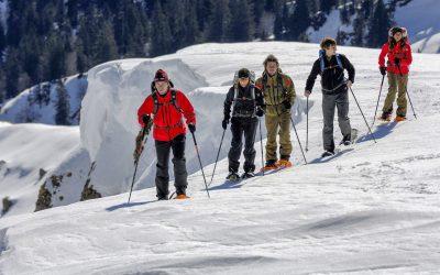 Dienstag und in den Ferien auch Freitag: Gemütliche Schneeschuhtour für Einsteiger am Imberg, mit Einkehr und Pferdekutschenfahrt